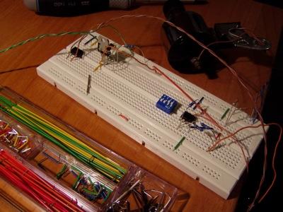 Primo test con un circuito semplificato, la dinamo è usata come generatore del segnale.